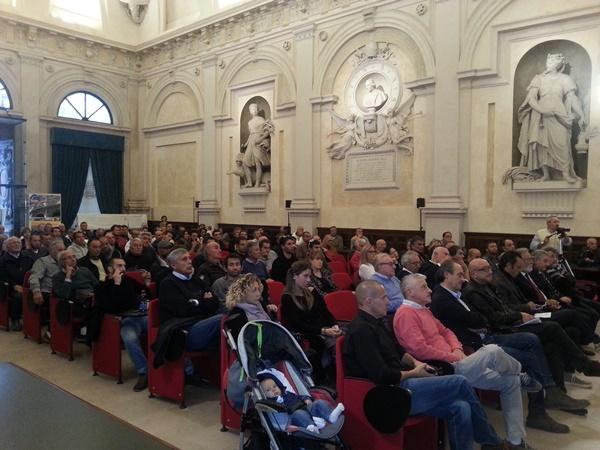 Una parte della platea che ha partecipato al congegno organizzato dalla FIPSAS (foto F. Fiori)