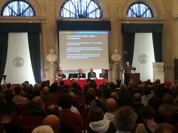 L'intervento di uno dei relatori davanti ad un pubblico numeroso ed interessato (foto F. Fiori)