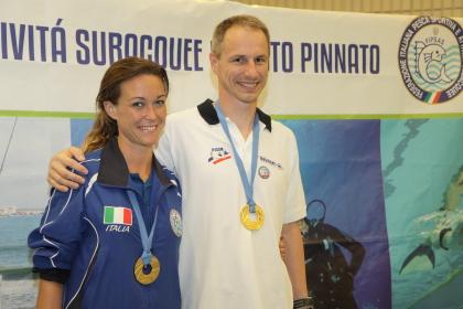 Alessia Zecchini e Olivier Elu posano insieme con le medaglie (foto S. Rubsera)