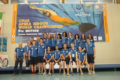 Foto di gruppo per la nostra Nazionale impegnata a Lignano (foto S. Rubera)