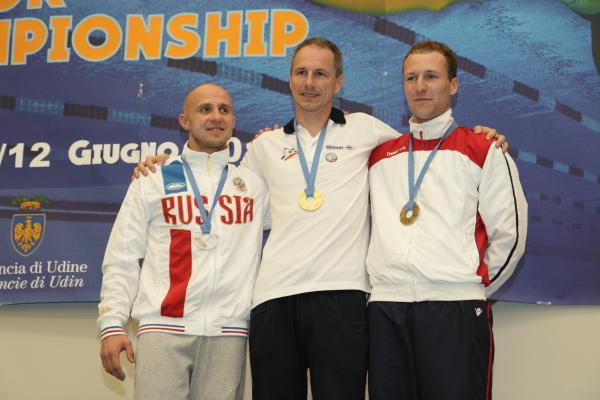 Il podio maschile con, da sinistra Kostyschen, Elu e Moretti (foto S. Rubera)