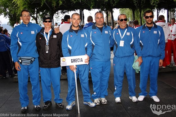 Kambanis, first from the left, with Greek National Team at 2012 World Championship in Vigo (photo  S. Rubera)