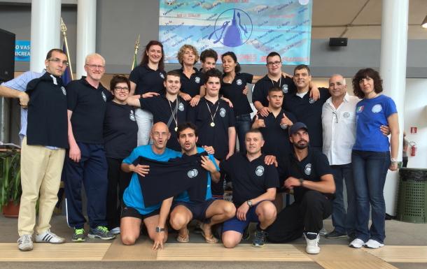 Tecnici ed atleti in una bella foto di gruppo (foto C. Bona)