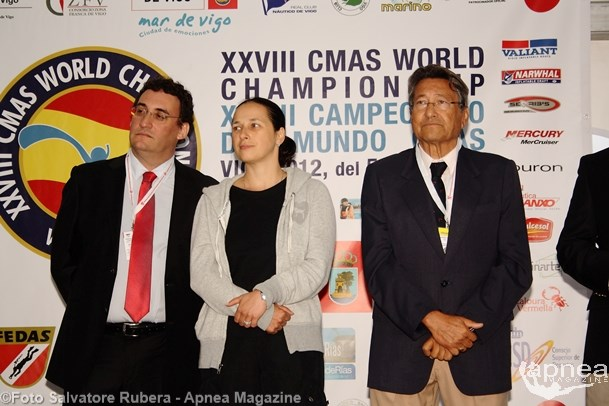 From the left, Xavier Duran Soler, CMAS Vicepresident, Anna Arzhanova, CMAS President, and Julio Antonio Cruz, Spearfishing Commission Presidente (photo S. Rubera)