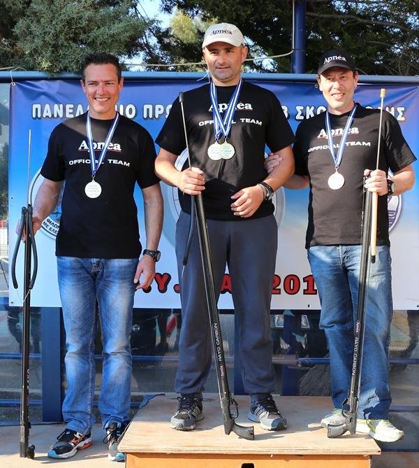 La squadra di biathlon composta da Vourtsis, Sarantinos e Kalogeropoulos (foto Kaziales)
