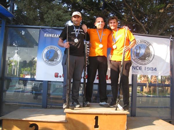 Da sinistra: Sarantinos, Tsimbidis e Xanthakis che prenderanno parte alla gara di tiro libero (foto Bellos)