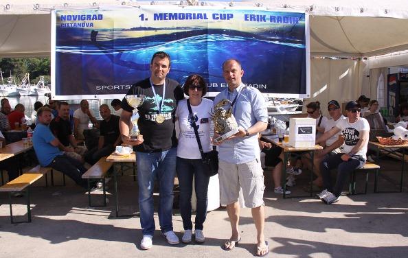 Mario Dodici e Milan Budinski la signora Marijela, mamma di Erik Radin e presidente del circolo organizzatore (foto V. Prokic)