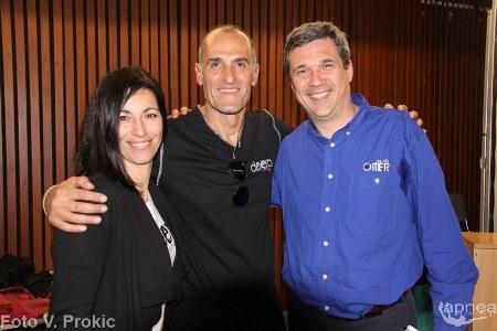 Borri, a destra, con Kollias, organizzatore della fiera, e la moglie al DeepEX (foto V. Prokic)