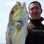 Video: Pesca all'Aspetto, ma il Dentice è Mimetizzato sotto di Lui