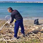 I Ragazzi della SyrakoSub Puliscono la Spiaggetta Maddalena