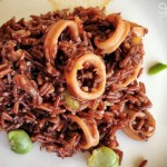 Riso rosso integrale con calamari e fave