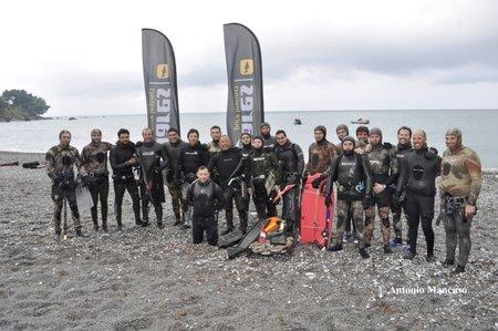 I partecipanti al IV Trofeo Scoppetta, gara a coppie di pesca in apnea
