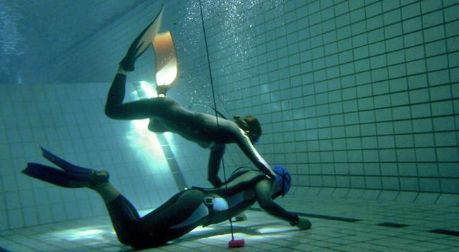 soccorso esercitazione piscina